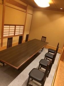 料亭天ノ川に椅子テーブル席が増えました